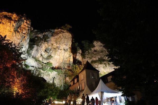 hotel les falaises-gluges martel-nocturne