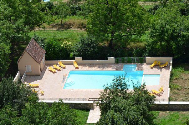 hotel les falaises-gluges martel-piscine1