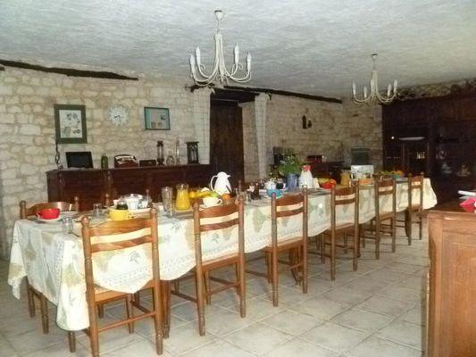 l'artésienne-souillac-salle à manger