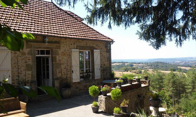 la Pébrunelle-Puy d'Arnac - Accueil