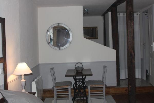 la Pébrunelle-Puy d'Arnac - chambre 1 (2)