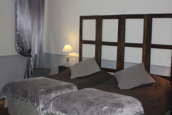 la Pébrunelle-Puy d'Arnac - chambre 1