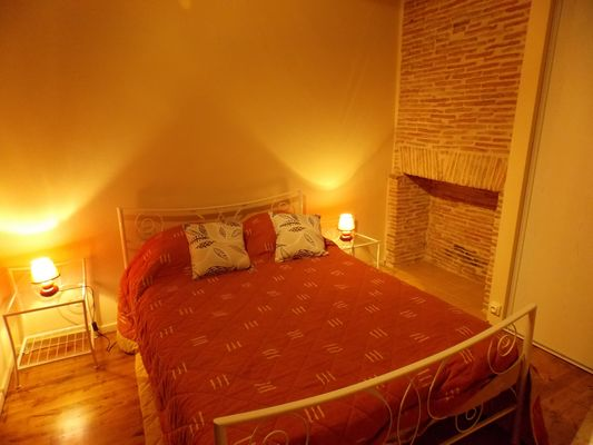 location Carbonnières- Condat-chambre1