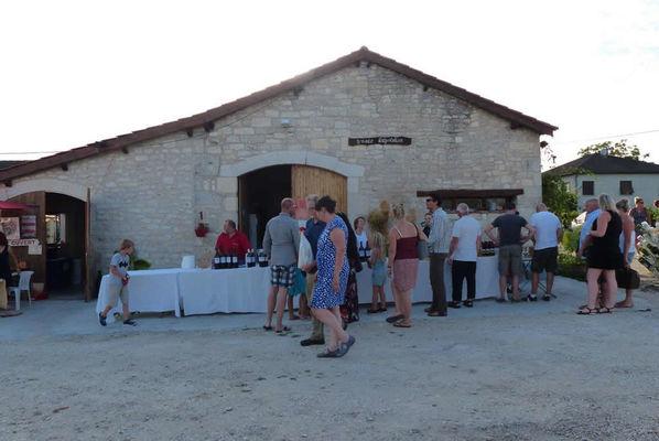 marche-gourmand-chateau-d-aix02