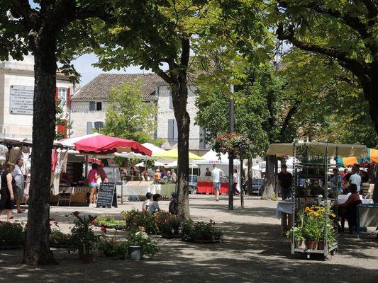 marché-du-dimanche-castelnau-montratier-c.hoden