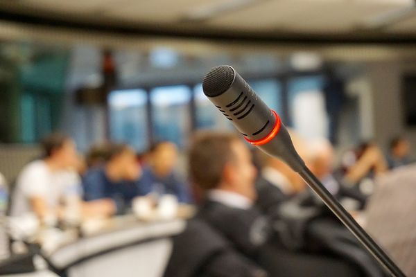 microphone-704255_1280©pixabay