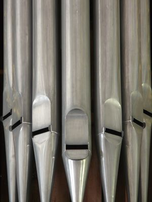 organ_whistle_organ_church_architecture_church_organ_hoz_music_instrument-1146532