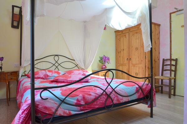 Chambre Endurme, chambre romantique avec lit à baldaquin