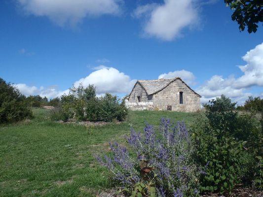 La-chapelle-domaine-de-Bombe-2-