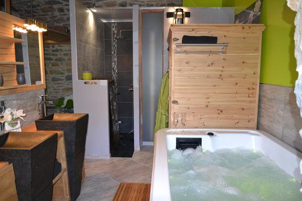 Soleilo_bnb_gite_spa_piscine_loft-chambre_avec_spa_gorgesdutarn_aveyron_lozere_DSC_0235