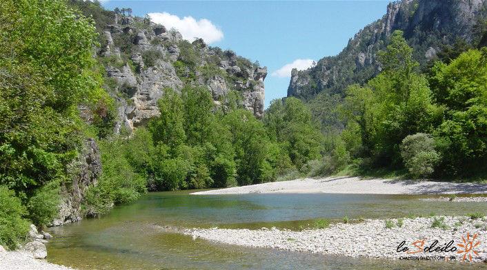 gite-jacuzzi-piscine-chambre-spa-sauna-loft-soleilo-gorgesdutarn-millau-aveyron-lozere-midi-pyrenees-sud-france_mostuejouls-4