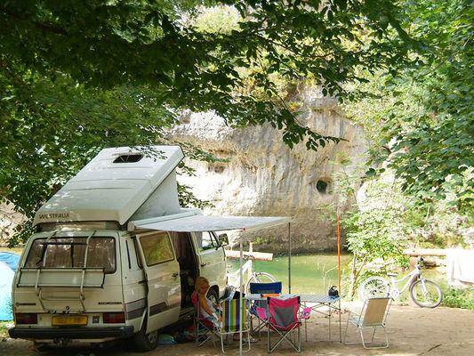 portfolio-emplacement-bord-de-riviere-camping-la-blaquiere