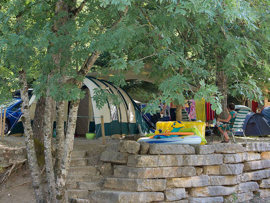 portfolio-emplacement-standard-camping-la-blaquiere