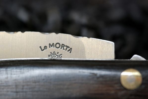 fabrication-artisanale-de-couteaux-en-morta-596277