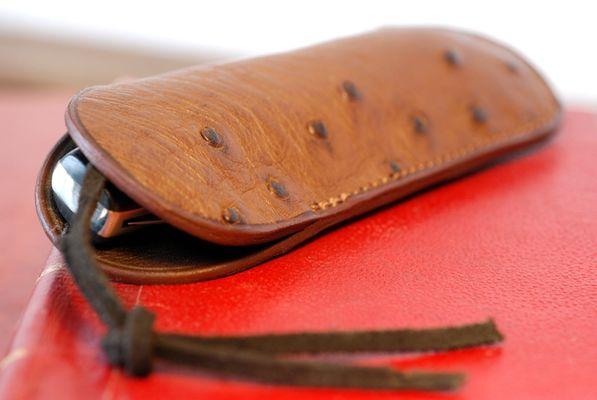 fabrication-artisanale-de-couteaux-en-morta-596278