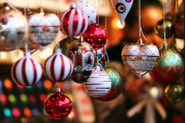 Marché de Noël - décorations - sapin