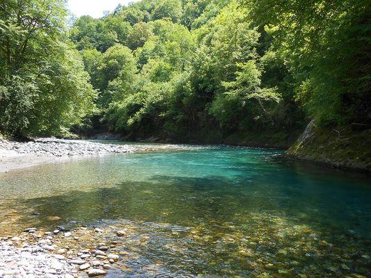 La rivière est à 20 mètres