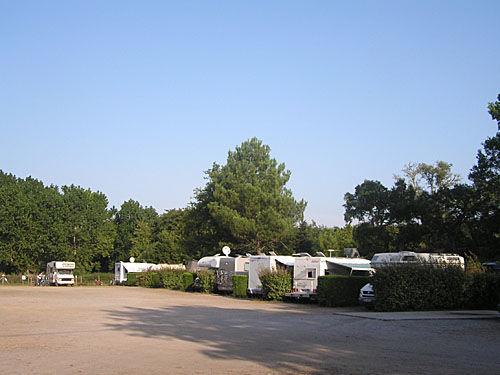 Aire de camping-cars Lac à Vielle