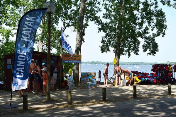 CLNT---LEON---Canoe-Surfing--2-