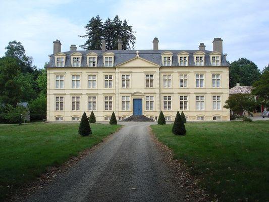 Chateau Amou