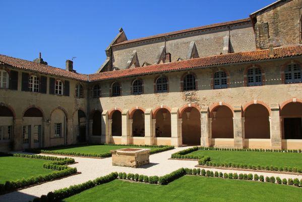 Cloître de l'abbaye 2013 pour TIS