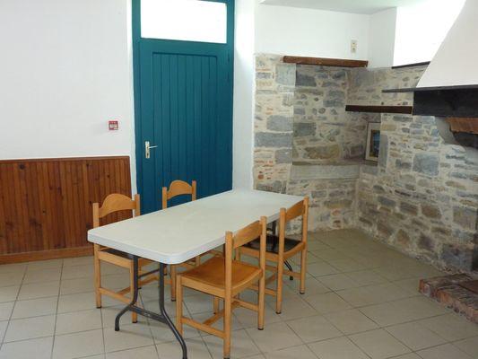Gite du centre nautique de Soeix - Salle (Office de Tourisme du Haut Béarn)
