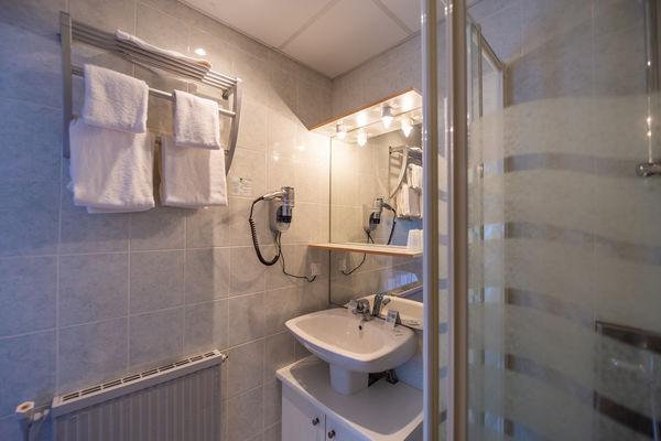 Hotel-du-lac--Leon--Laura-Mearini-Sdb