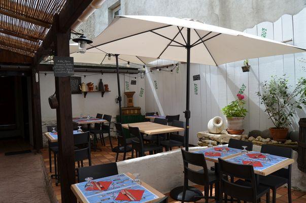 La gogaille - Terrasse (Office de Tourisme du Haut Béarn)