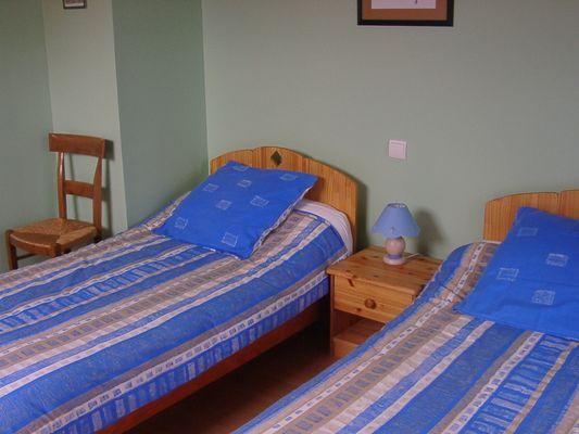 Le Lézard Vert - Chambre balcon bleue (Office de Tourisme du Piémont Oloronais)