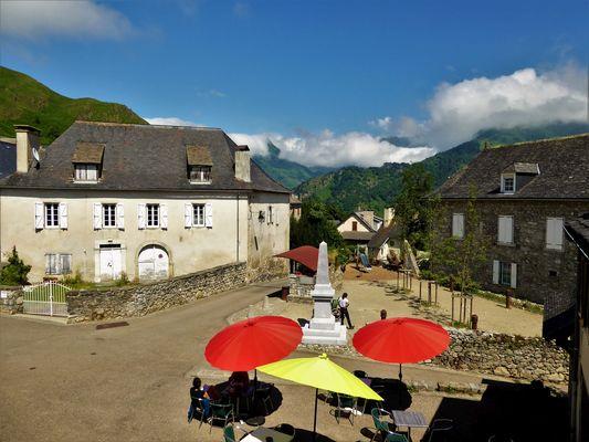 Le-Pic-d-Anie-LESCUN-vue-chambre-1etage
