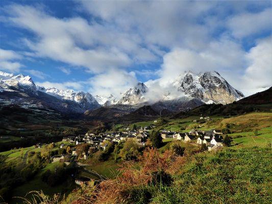 Le-Pic-d-Anie-LESCUN-Village