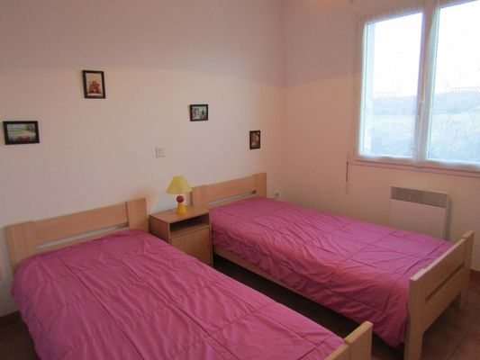 Lestage rouge - chambre 2lits 1pers