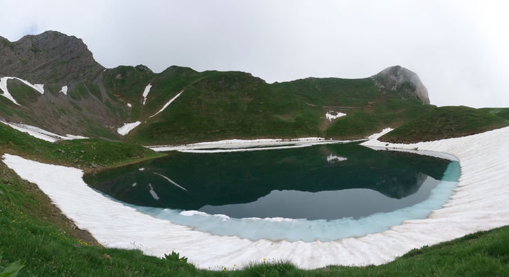 Lac du montagnon par le col d'Iseye