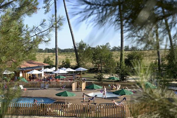 St-Michel Escalus_Huttopia_vue piscine