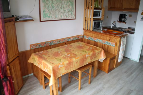 Studio Guémené - coin repas