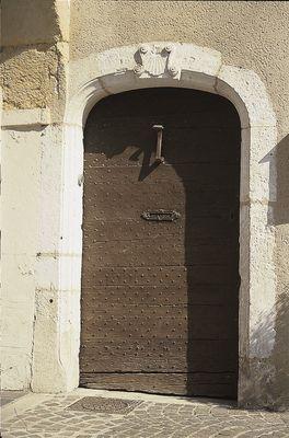 Porte XVIIe avec coquille