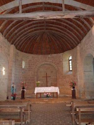 Vue intérieure de la chapelle de Sensacq