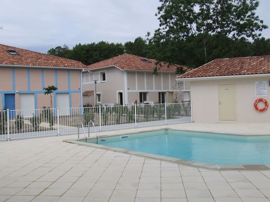 VSG-Barbara-piscine-commune