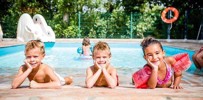 camping-cote-basque-avec-piscine