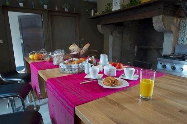 chateau-de-Baylac-cuisine-