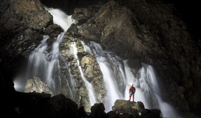 grotte-de-la-verna-cascade