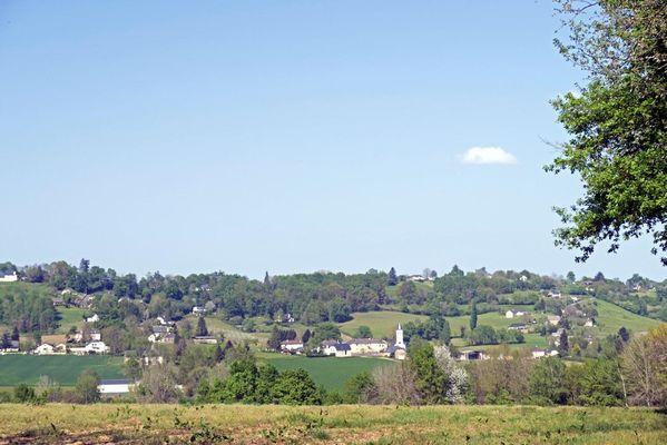 Le village d'Estialescq