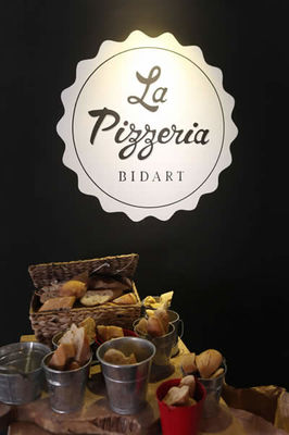 16-pizzeria-bidart-signpaint