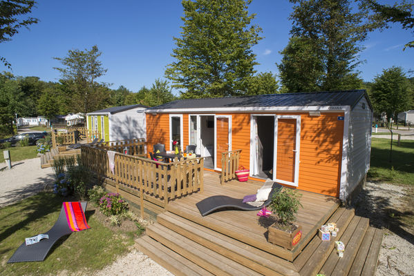 Camping-Yelloh-en-Champagne-cottage-4personnes-2chambres-2sallesdebain
