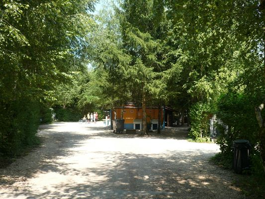 Camping de la Plage - Giffaumont-Champaubert