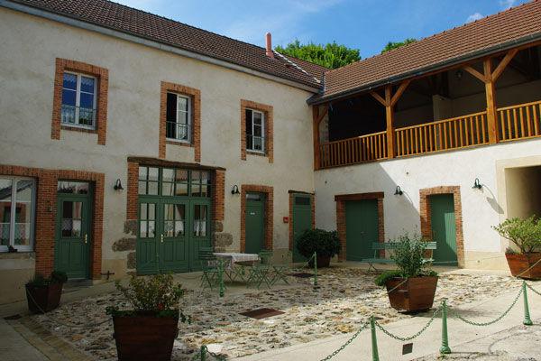 Chambres d'hôtes La Cave aux Coquillages- Fleury-la-Rivière