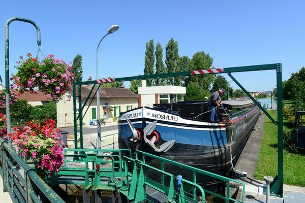 Halte nautique de Condé-sur-Marne