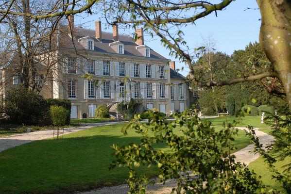 Chateau de Pierry Coté jardin
