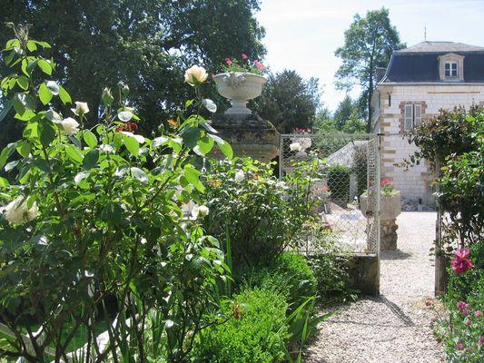 Pavillon du Lac au Château de Juvigny