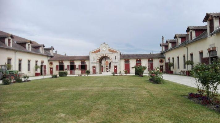 Cour d'honneur - 1-Lac du Der
